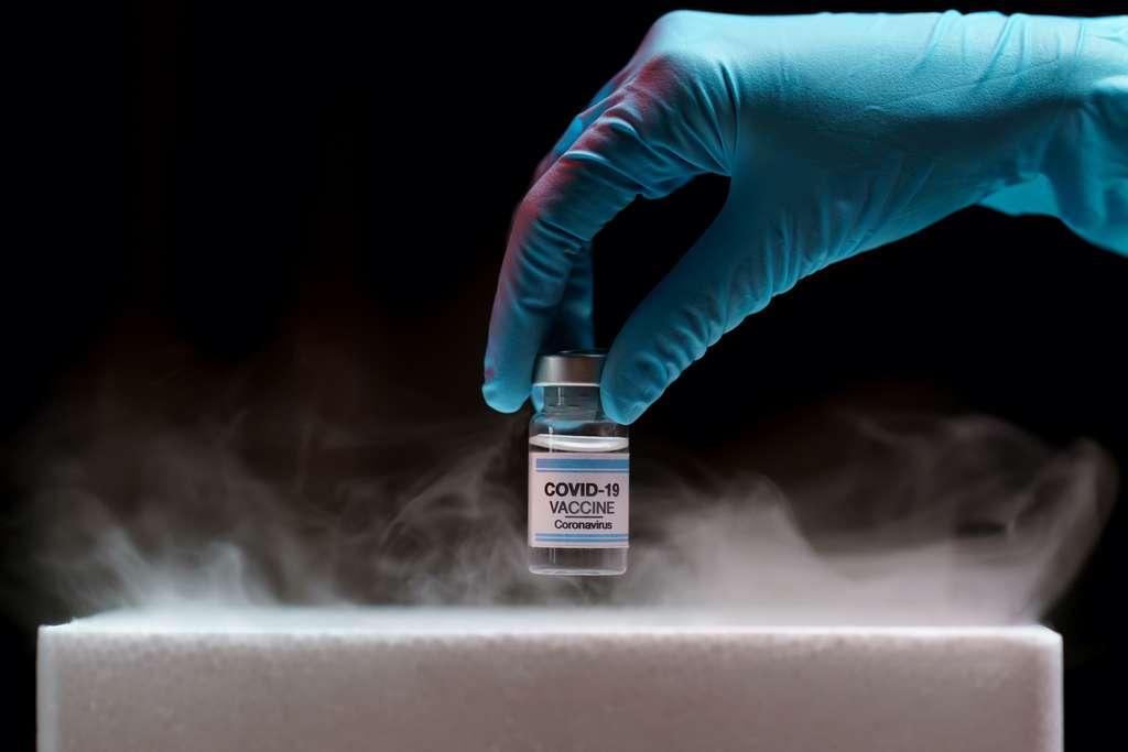 Le vaccin de Pfizer et BioNTech nécessite d'être conservé à -70 °C. © marchsirawit, Adobe Stock