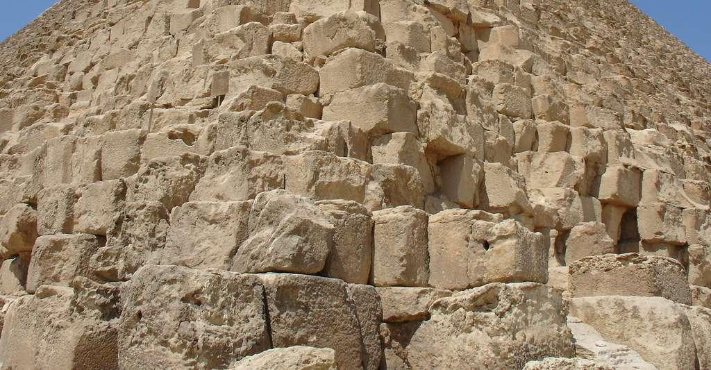 Blocs de pierre de la pyramide de Khéops. Peut-on modéliser l'édifice en 3D ? © Mgiganteus1, CC by-sa 3.0