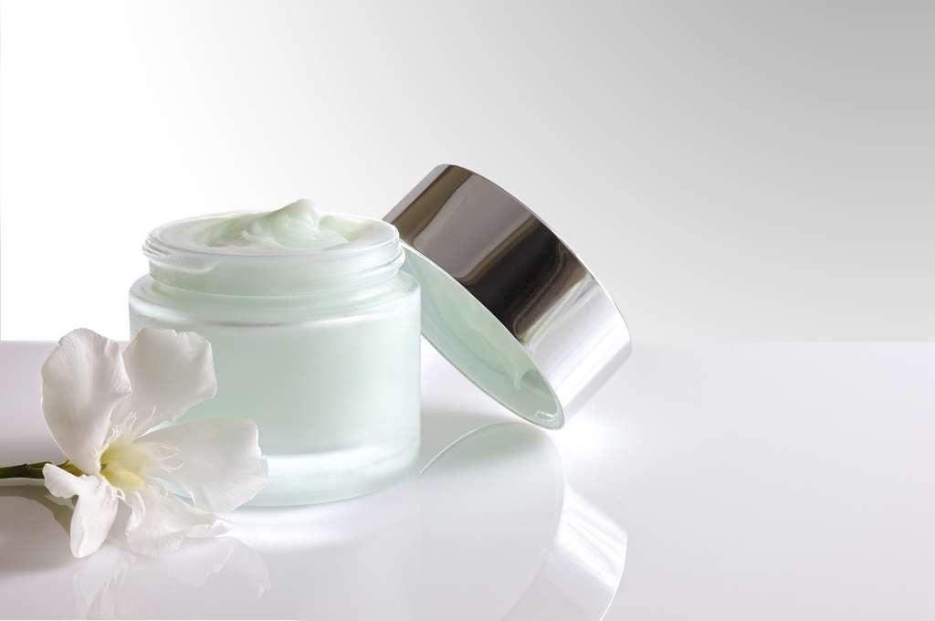 Près de 400 produits cosmétiques ont été épinglés par l'association UFC-Que Choisir. © Davizro, Itsock.com