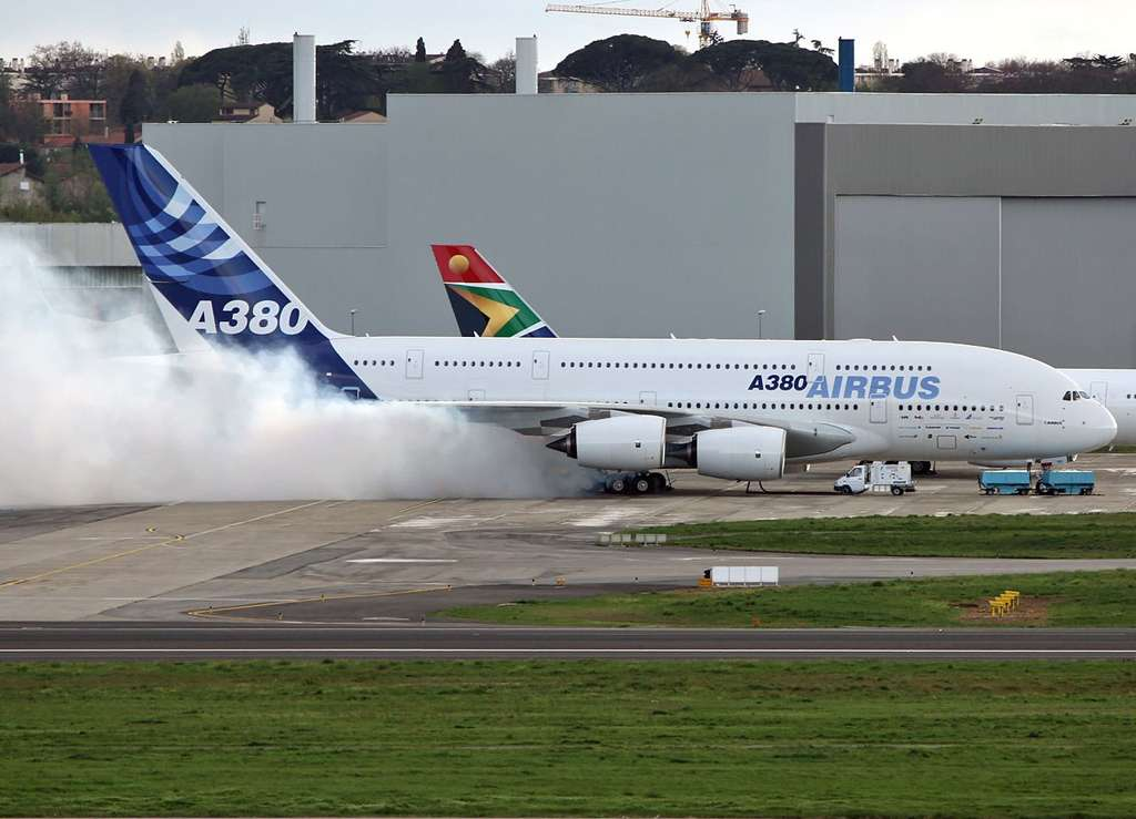 "Airbus A380 : combustion ""storage oil"""