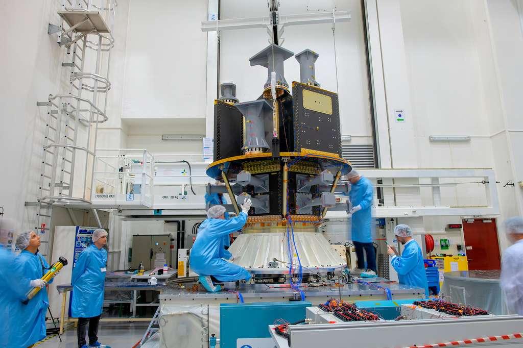 Le dispenser SSMS de Vega qui peut emporter plusieurs dizaines de satellites de 1 à 500 kilogrammes. © ESA, M. Pedoussaut
