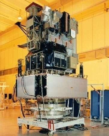 Le satellite Soho au laboratoire. © Astrium