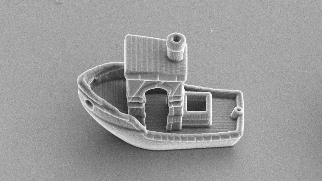 Ce micro-bateau est destiné à modéliser le comportement de micro-nageurs biologiques ou synthétiques. © Rachel Doherty et al., Soft Matter