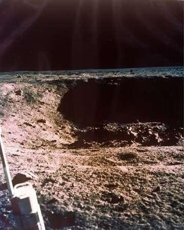 Le cratère évité par Apollo 11, qui donna des sueurs froides aux astronautes... et à la Nasa. Crédit Nasa