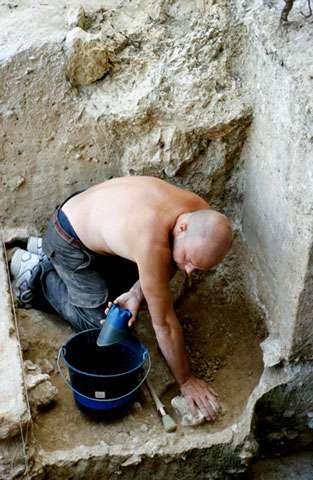 Photo 10 : L'important étant de toujours bien balayer son carré ! © François Marchal Reproduction et utilisation interdites