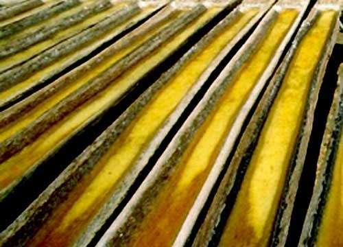 Evaporation dans des troncs d'arbres creusés en Indonésie