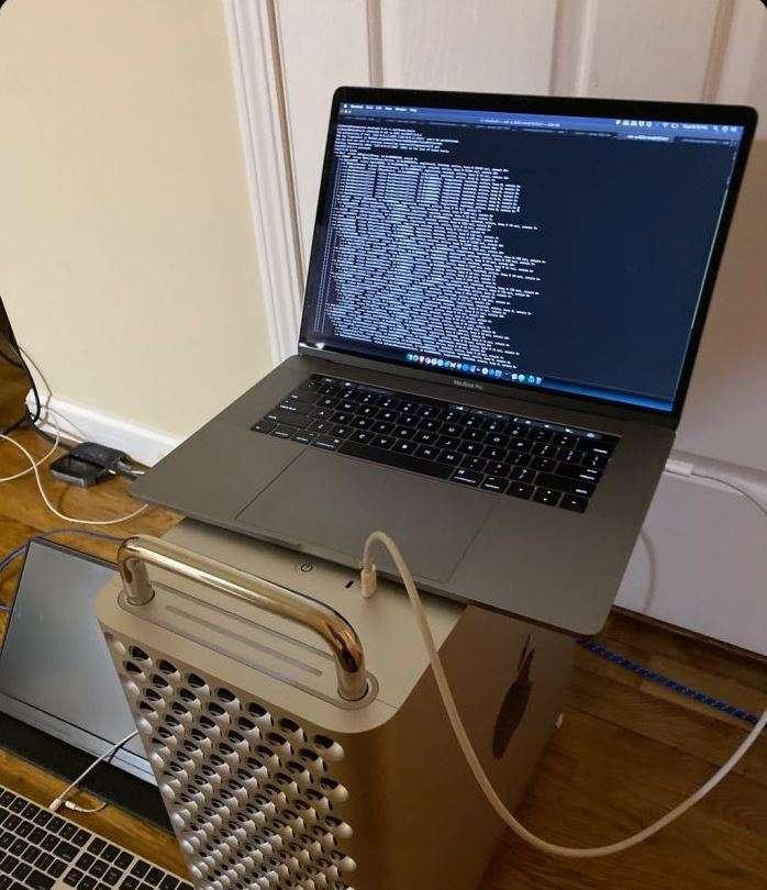 L'équipe à l'origine du logiciel Checkra1n s'est vantée d'avoir pris la main sur le plus cher des ordinateurs Apple, le Mac Pro. © wccftech