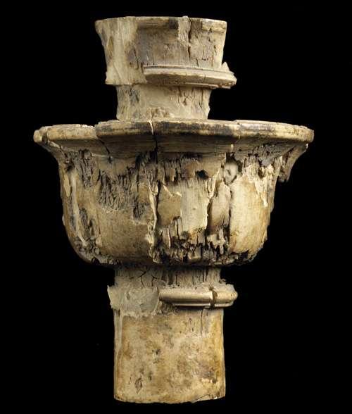 Pied de meuble en ivoire d'un sanctuaire d'Aï Khanoum