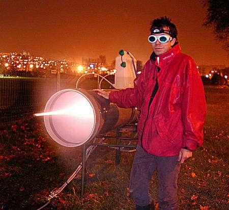 Expérience de diffusion d'un laser ultrabref sur un nuage de gouttes d'eau.