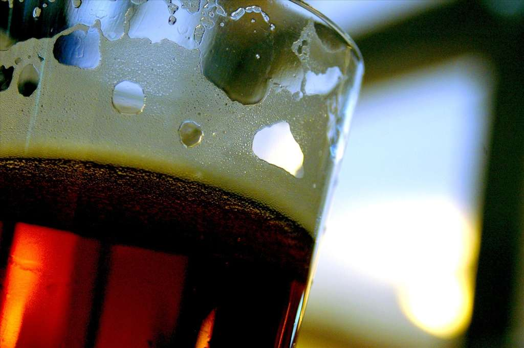 L'alcoolisme est une addiction très forte contre laquelle les thérapies présentent une efficacité relative. Le baclofène convaincra-t-il l'Afssaps ? © mjafardo, Fotopédia, cc by nc nd 2.0