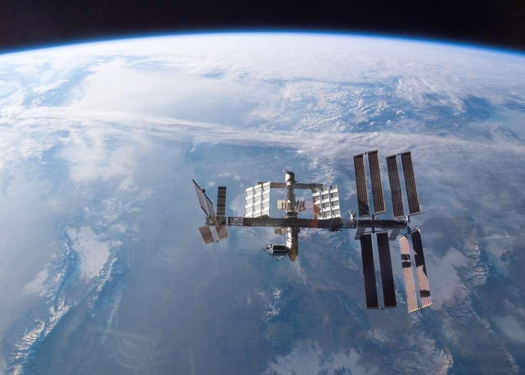 La station en février 2008 avec Columbus, le laboratoire de l'Esa