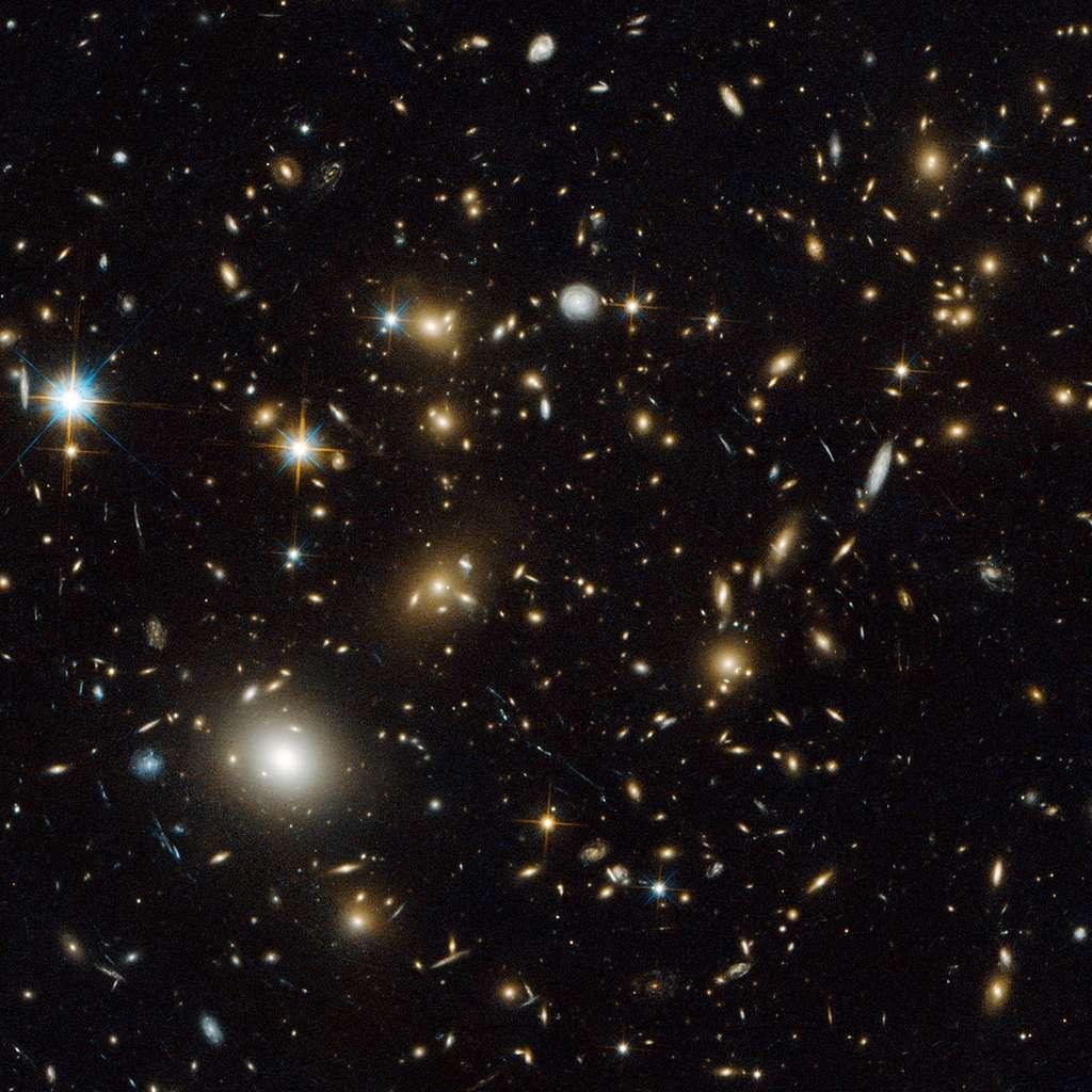 Si Jean Schneider s'attend à ce que Gaia découvre des centaines d'exoplanètes, il travaille aussi sur une grande mission qui serait capable de faire des images d'une exoplanète avec des spectres, de façon à voir le climat ou les saisons. Compte tenu des difficultés techniques à surmonter et du processus de décision assez long de l'Agence spatiale européenne, cette mission n'est pas envisageable avant les années 2030. © R. Dupke (Eureka Scientific Inc.), Nasa, Esa