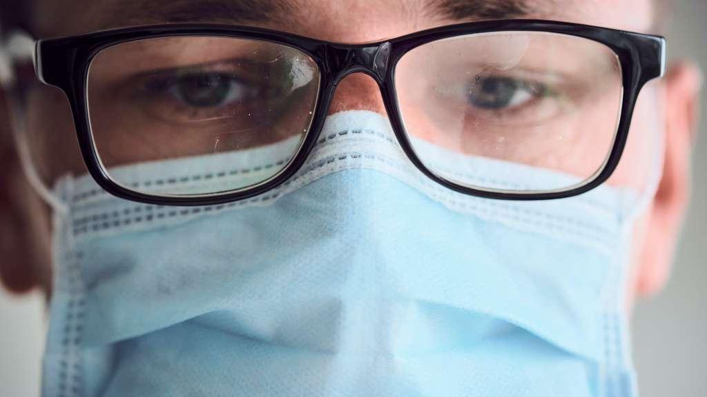 Les porteurs de lunettes sont moins enclins à attraper le coronavirus que les autres. © bodiaphoto, Adobe Stock
