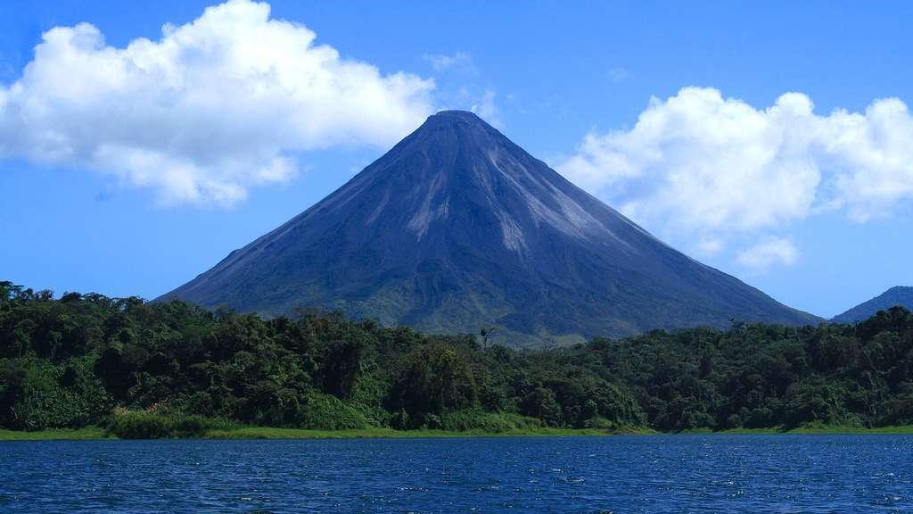 L'impressionnant volcan Arenal, au Costa Rica