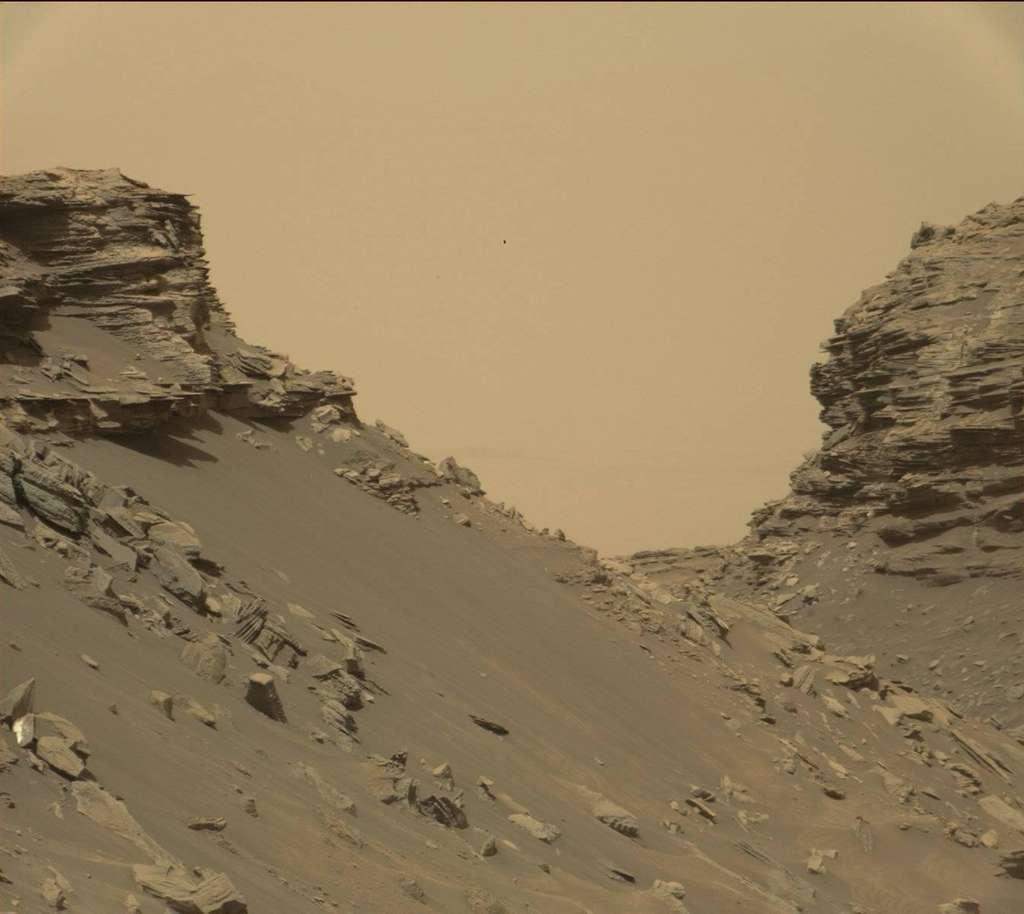 Curiosity observe l'œuvre de l'érosion martienne