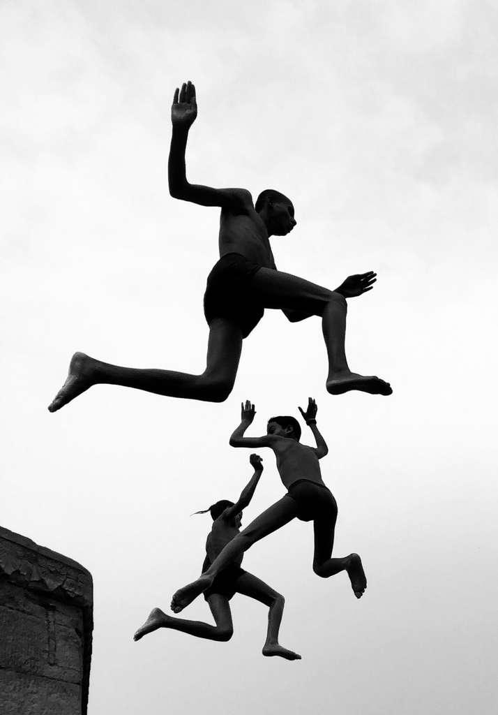 « Flying Boys » de Dimpy Bhalotia, gagnante du grand prix et prix du photographe de l'année. © Dimpy Bhalotia, Apple