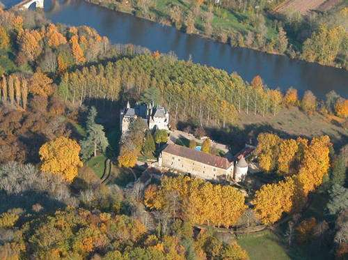 Le château de Fayrac. © Philippe Dufour, tous droits réservés