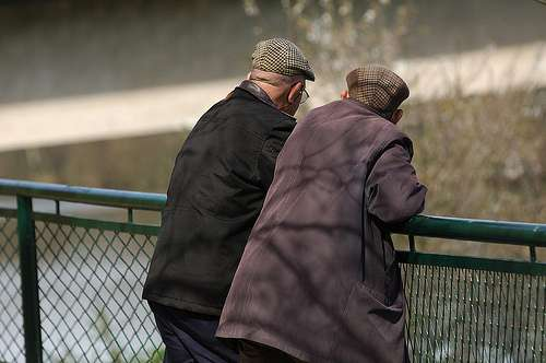 Les chutes et accidents de la circulation entraînent un traumatisme crânio-encéphalique qui augmente le risque de maladie d'Alzheimer. © Doulkeridis Book, Flickr by sa 2.0