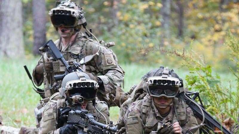 Microsoft équipe les casques de l'US Army avec les lunettes HoloLens dotées de capacités de vision nocturne et thermique. © Bridgett Siter, US Army