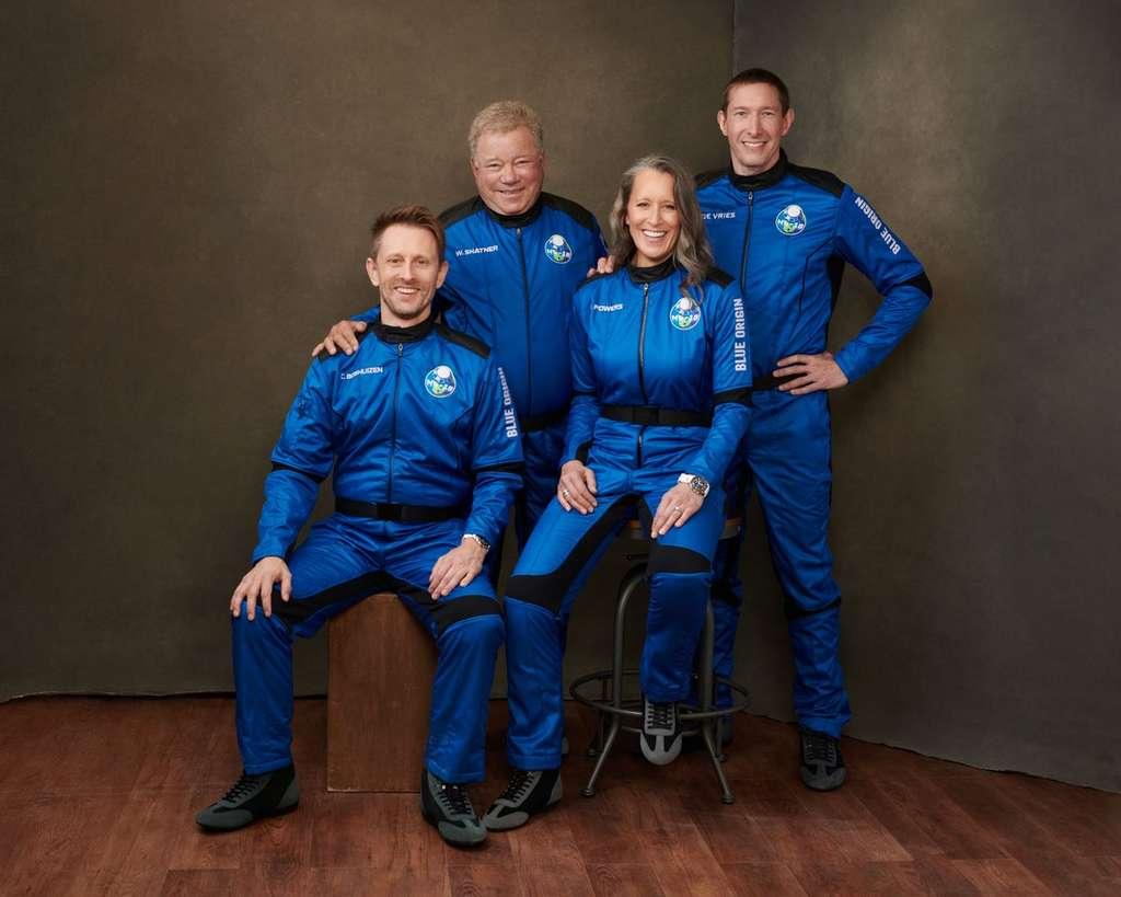L'équipage de la mission NS-18 de Blue Origin. De gauche à droite : Chris Boshuizen, William Shatner, Audrey Powers et Glen de Vries. © Blue Origin