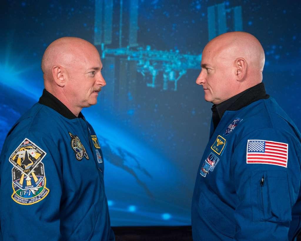 Les deux frères jumeaux Mark (à gauche) et Scott (à droite) Kelly. © Nasa