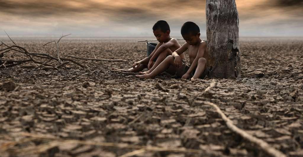 Selon le degré de maîtrise de nos émissions de carbone, un enfant né aujourd'hui pourrait être confronté à de multiples menaces pour la santé liées au climat avant d'avoir 30 ans, selon le rapport. © boonchok, Adobe Stock