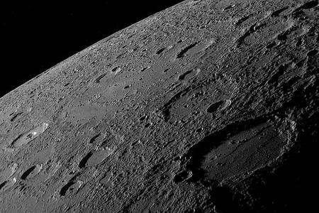 Cliquez pour agrandir. La surface de Mercure observée par Messenger. Crédit : JHU APL, Nasa