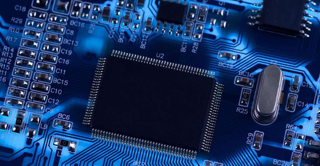 Comment commence l'histoire des turbocodes ? Ici, photo d'un circuit électronique. © Zhukov, Shutterstock