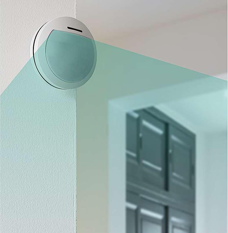 Le détecteur de mouvement se place en hauteur face à la zone à couvrir. Il bénéficie d'une protection anti-choc et anti-arrachement. © Atlantic's