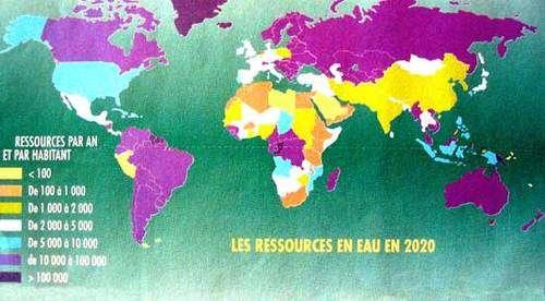 Ressources en eau par an et par habitant en mètre cube, en 2020. © DR