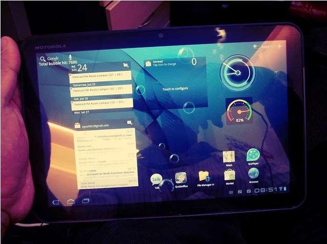 La Motorola Xoom utilise une version non modifiée d'Android et est ainsi facilement mis à jour par son constructeur. Elle a été la première tablette à recevoir le système d'exploitation Android 4.0. © Sham Hardy, Creative Commons