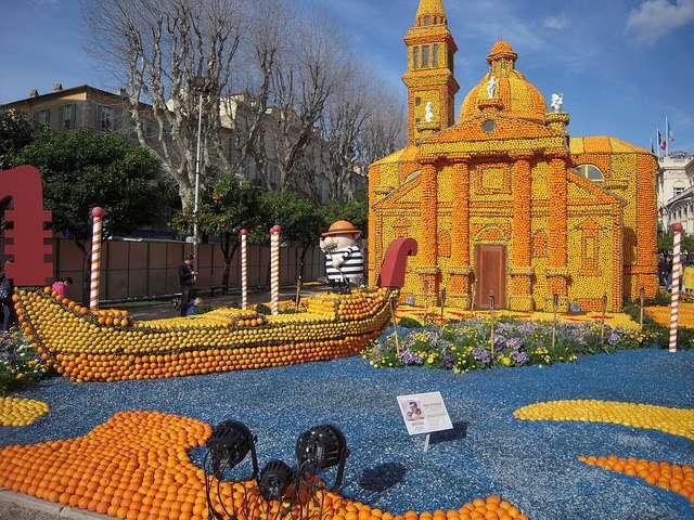 Des décors majestueux : une évocation de Venise pour la fête du citron 2016. © Patrick Janicek, Flickr, CC by-sa 2.0
