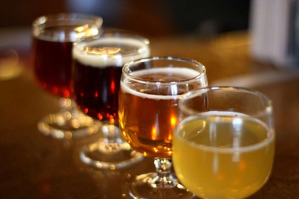 Selon les calculs du journal, boire 50 cl de bière à 16,8 % revient à boire les deux tiers d'une bouteille de porto ou la quasi-totalité d'une bouteille de vin à 12,5 %. © Justin C. Lenk, Fotopedia, CC by nc-nd 2.0