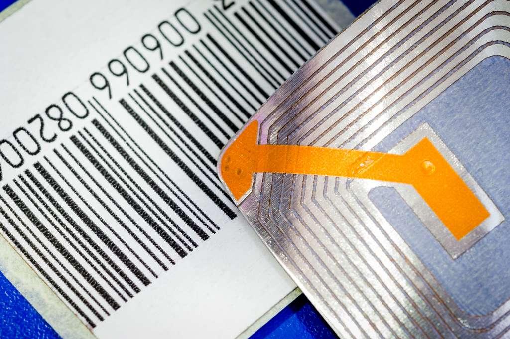 La technologie RFID va-t-elle entraîner la fin des codes-barres ? © Demianastur, Adobe Stock