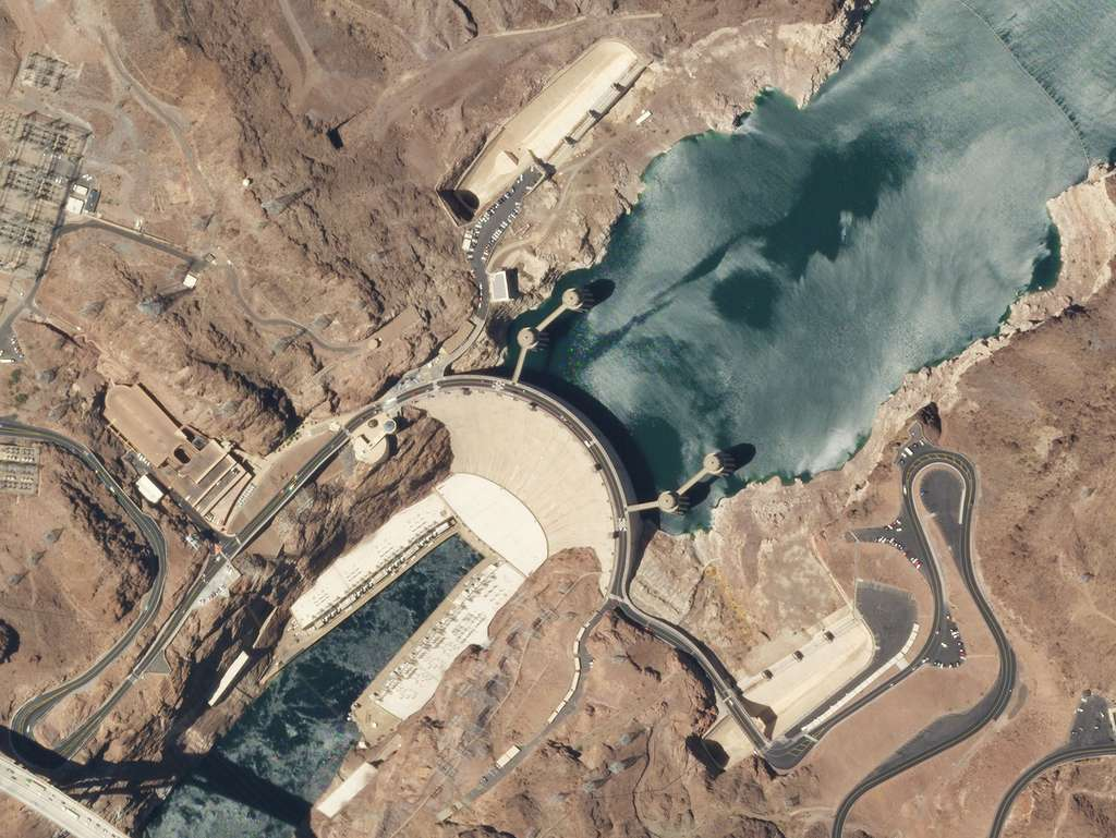 Le barrage Hoover (Nevada). © 2021 Planet Labs, Inc