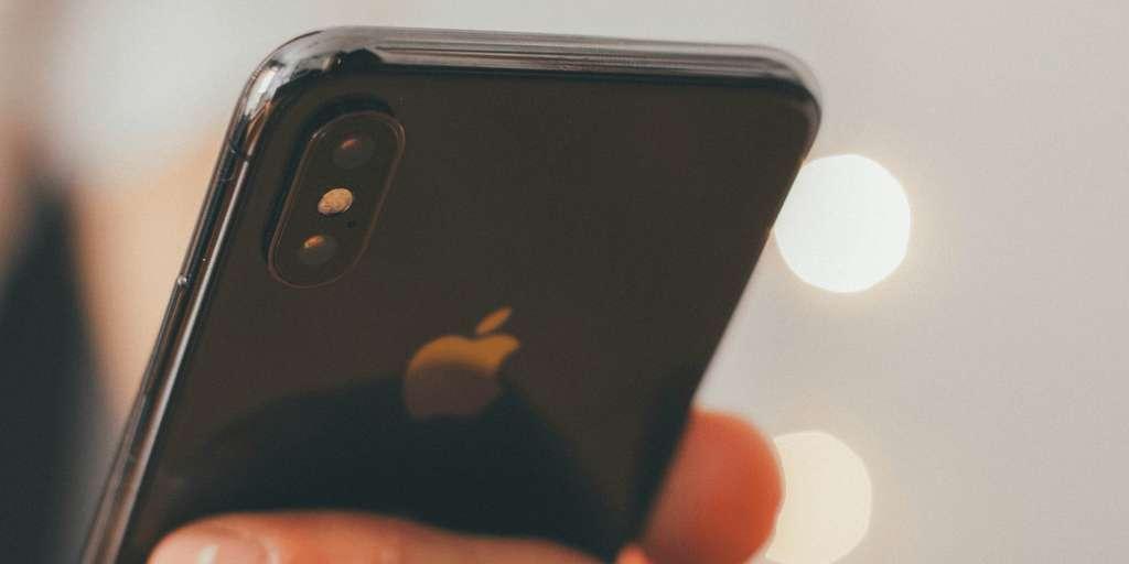 Attention à ne pas laisser de photos intimes dans votre smartphone si vous le faites réparer. © Apple