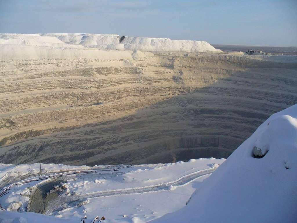 Mine de diamant d'Oudatchnaïa en Sibérie. © Хакимов Хабир