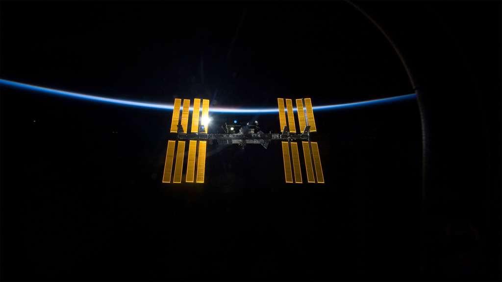 Le complexe orbital et ses 420 tonnes offre un volume habitable d'environ 916 mètres cubes. © Nasa