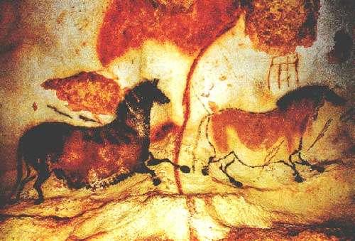 La salle des Taureaux, aussi appelée la Rotonde, comporte la plus grande frise de l'art paléolithique de Lascaux. © DR