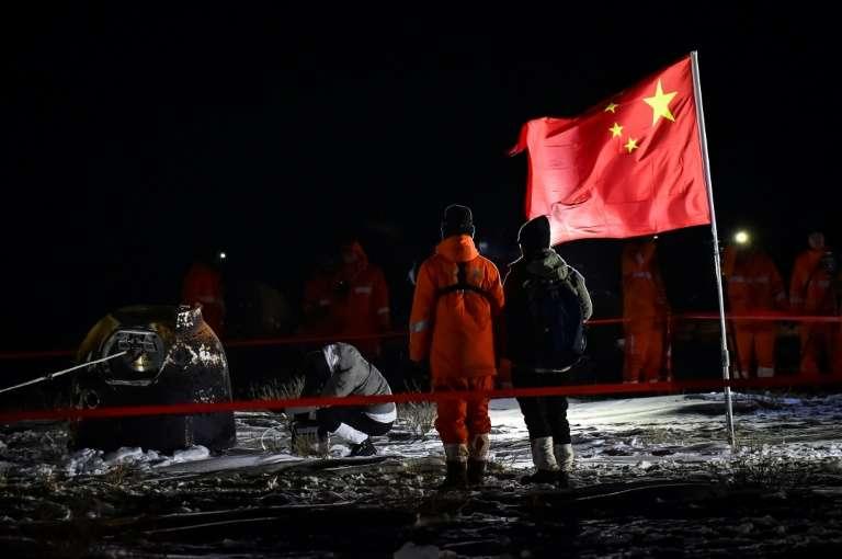 Le module lunaire Chang'e 5 après son atterrissage dans la province chinoise de Mongolie interieure, le 17 décembre 2020. © CNSA, via AFP