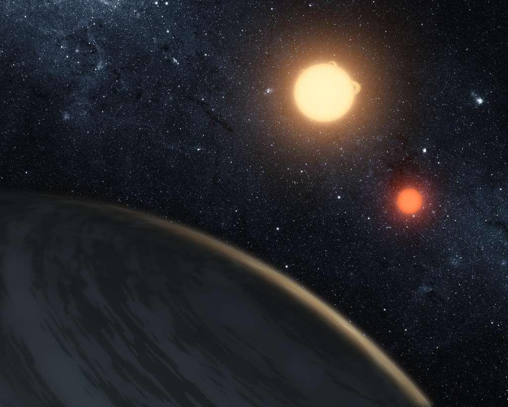 Illustration de Kepler-16b, première planète découverte gravitant autour de deux étoiles — ou exoplanète circumbinaire. © Nasa, JPL-Caltech, T. Pyle