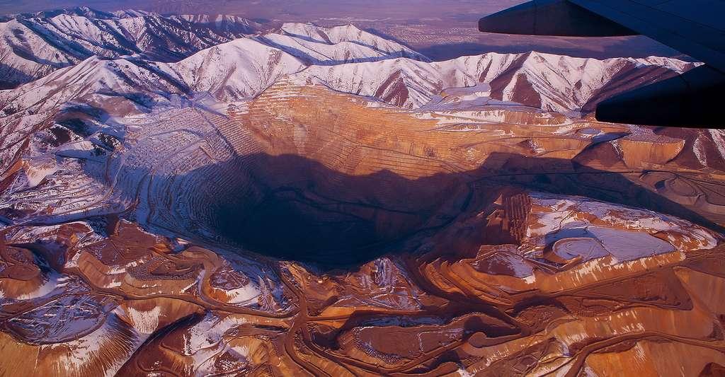 Mine de cuivre à ciel ouvert de Bingham Canyon (Utah, États-Unis). L'âge du cuivre est aussi appelé période chalcolithique. © PhotoQphotography, CC by 3.0