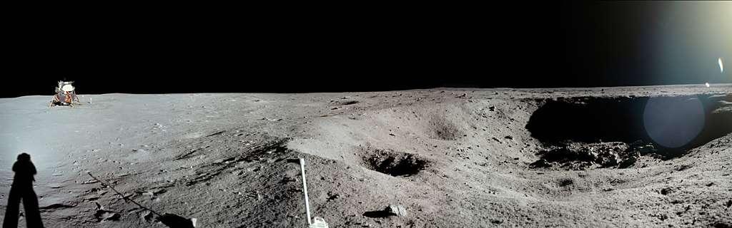 Armstrong vient de courir pour photographier le cratère