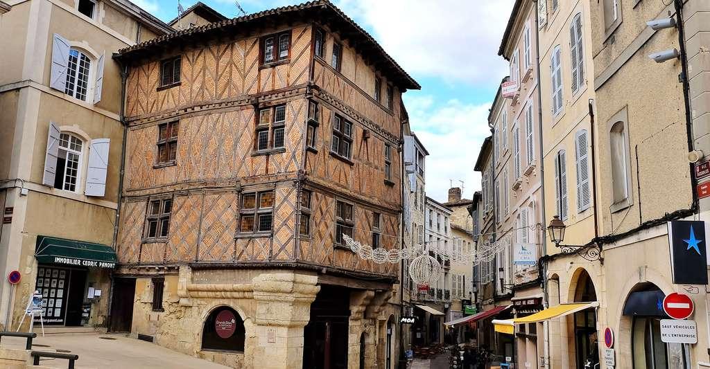 Maison typhique du Gers, ici à Auch. © Thierry Llansades, Flickr, CC by-nc 2.0