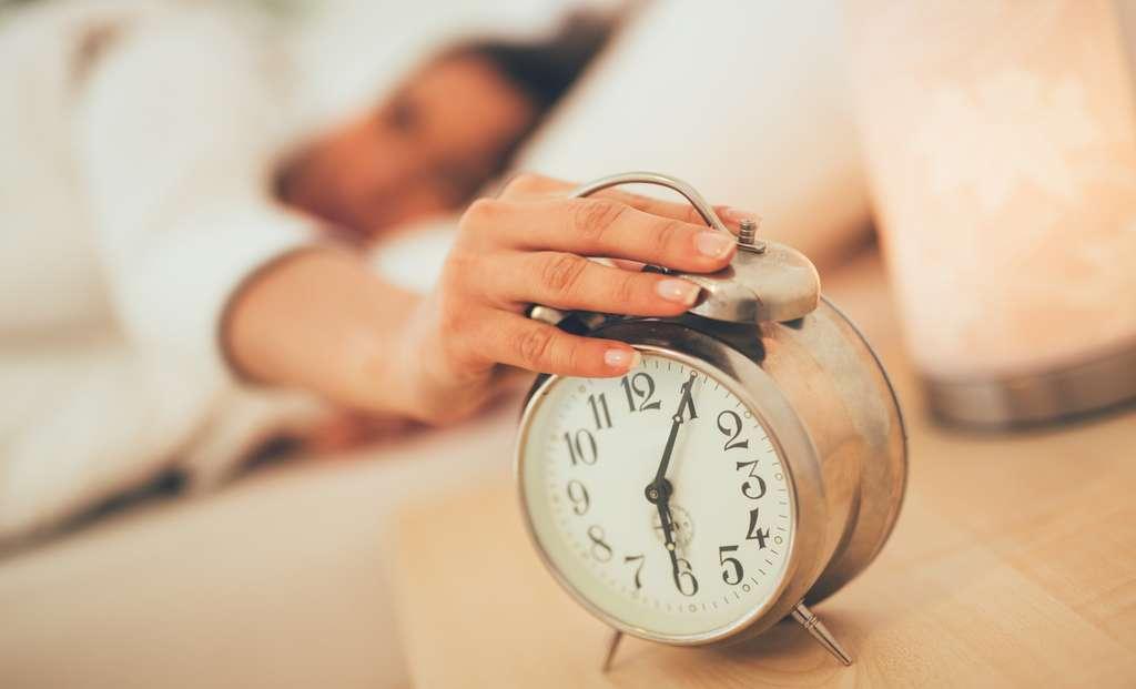 Les lève-tôt semblent avantagés par le rythme imposé par notre société. © milanmarkovic78, Fotolia