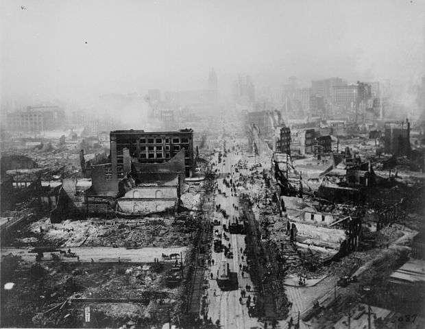 Si la Californie connaît depuis longtemps de nombreux séismes, comme celui survenu à San Francisco en 1906, ceux de l'Oklahoma sont actuellement en forte hausse avec, pour la seule année 2014, 24 secousses sismiques de magnitude 4 enregistrées. « À présent, l'Oklahoma en a plus que la Californie ». © Wikimedia Commons, DP