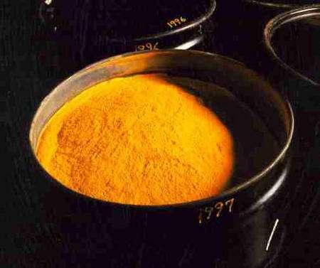 Le yellowcake, ou concentré d'uranium, doit son nom à sa couleur caractéristique. © DR