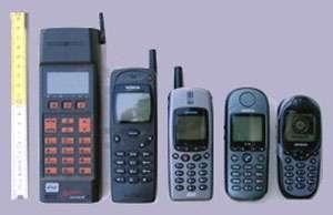 Evolution des GSM Siemens entre 1992 (GH172) et 2002 (ME45).