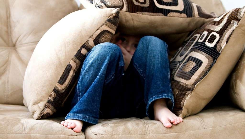 En 2015, une étude a montré que les traces de méthamphétamine trouvées dans une maison qui avait auparavant servi de laboratoire avaient des impacts sur la santé de ces habitants. Des impacts généralement bénins comme des douleurs oculaires ou des éruptions cutanées, un peu d'anxiété ou des troubles du sommeil. Mais les enfants semblent pouvoir être plus touchés et développer des symptômes proches de ceux de l'asthme, de la peur et de l'irritabilité notamment. © ambermb, Pixabay License