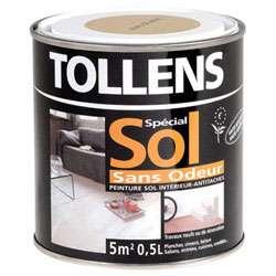 Peinture sol : acrylique aspect satiné, adaptée à tous types de sols intérieurs (béton, carrelage, ciment, plancher…) et pièces. Elle sèche au toucher en 2 heures. Rendement : 10 m2/litre. © DR